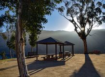 Skuggor för picknickområde på soluppgång Royaltyfri Foto