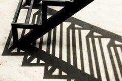 Skuggor från gammalt stål Arkivfoton