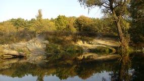 Skuggor och flod Another beskådar Arkivfoto
