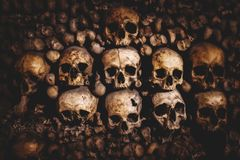 Skulls and bones in Paris Catacombs. France Royalty Free Stock Photos