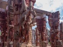 Skulpterar den övre sikten för slutet av forntida indiska kvinnor, Chennai, Tamilnadu, Indien Januari 29 2017 Arkivfoto