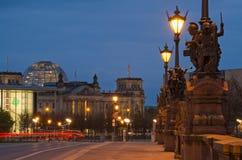 Skulptur auf der Moltke-Brücke in Berlin Stockfotografie