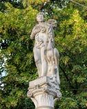 Skulptur auf die Oberseite eines Brunnens auf Bahnhofstrasse-Straße in Z Lizenzfreie Stockfotos