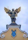 Skulptur av ärkeängeln Michael på Maidan Nezalezhnosti. Royaltyfri Fotografi