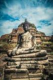 Skulptur av Buddha i den forntida staden Ayutthaya Arkivbild