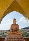 Skulptur av Buddha i tempel Royaltyfria Bilder
