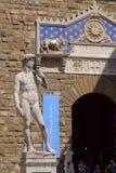 Skulptur av David av Michelangelo i Florence Royaltyfria Foton