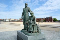 Skulptur av invandrare Kingston-P?-skrov UK royaltyfria bilder