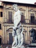 Skulptur av Neptun av springbrunnNeptun i piazzadellaen Signoria i Florence royaltyfria foton