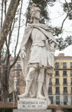Skulptur av Pelagius av Asturias på Plaza de Oriente, Madrid, S Royaltyfri Bild