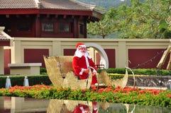 Skulptur av Santa Claus i Ritz-Carlton Sanya Arkivfoto