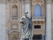 Skulptur av St Peter Arkivbild