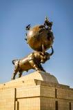 Skulptur av tjuren royaltyfria bilder