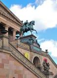 Skulptur beim Alte Nationalgalerie Lizenzfreies Stockfoto