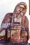 Skulptur des alten Mannes mit dem Bier Stockbilder