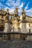 Skulptur des heiligen Retters mit Cosmas und des Damian Stockbild