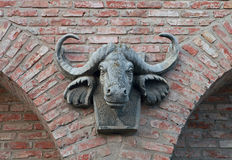 Skulptur des Kopfes eines Büffels Lizenzfreies Stockbild