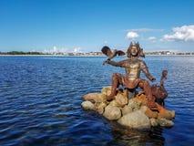 Skulptur des nordish Gottes Njoerd vom Metallabfall in Heiligenhafen stockbild