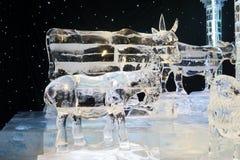 Skulptur des Pferds, der Ziege und der Kuh gemacht durch Eis Stockbild