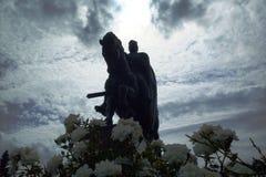 Skulptur des Reiters mit werfen uns Lizenzfreies Stockbild