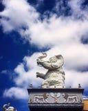 Skulptur des weißen Elefanten Stockfotografie