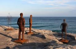 Skulptur durch das Meer ist eine freie allgemeine Skulpturausstellung stockfotos