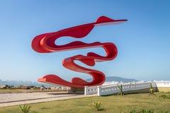 Skulptur durch Tomie Ohtake bei Marine Outfall Emissario Submarino - Santos, Sao Paulo, Brasilien lizenzfreies stockbild