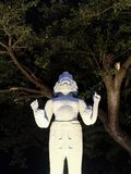 Skulptur einer hindischen Gottheit mit vier Armen und einigen Gesichtern lizenzfreies stockfoto