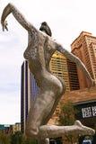 Skulptur einer Tanzenfrau Lizenzfreie Stockfotos