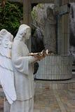 Skulptur eines Engels mit einem Seeoberteil philippinen Stockbilder
