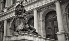 Skulptur eines Löwes lizenzfreies stockbild