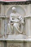 Skulptur från Fonte Gaia, Siena, Tuscany, Italien Arkivfoton