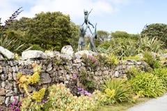 Skulptur i Abbey Garden, Scilly öar Arkivfoton
