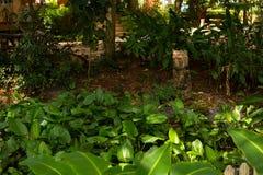 Skulptur i trädgården Arkivfoto