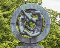 Skulptur i Vigeland parkerar Oslo norway Arkivbilder