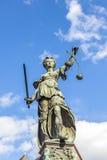 Skulptur Justitia (Dame Justice) Lizenzfreie Stockfotografie