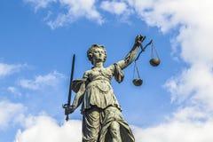 Skulptur Justitia (Dame Justice) Lizenzfreies Stockbild