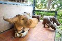 Skulptur leraskulptur, statyer Arkivbilder