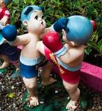 Skulptur med thai boxning Arkivbilder