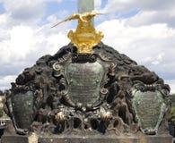 Skulptur mit Krone lizenzfreie stockfotos