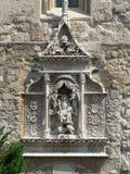 Skulptur mit Monarchen Lizenzfreies Stockfoto