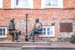 Skulptur Oscar Wilde och Eduard Vilde arkivfoto