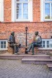 Skulptur Oscar Wilde och Eduard Vilde royaltyfri bild