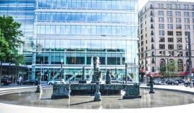 Skulptur-springbrunn för Jean-Paul Riopelle ` s La Joute Royaltyfri Foto