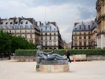 Skulptur in Tuileries-Garten lizenzfreies stockfoto