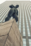 Skulptur von Igor Mitoraj in der La-Verteidigung in Paris Stockfoto