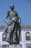 Skulptural helhet som är hängiven till tjurfäktaren Manolete som kallas `-Manuel Rodriguez `, Cordoba, Spanien royaltyfri fotografi