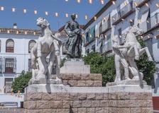 Skulptural helhet som är hängiven till tjurfäktaren Manolete som kallas `-Manuel Rodriguez `, Cordoba, Spanien arkivbilder