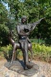 Skulptural sammansättnings`-Vitebsk melodi på den franska fiol`en, en monument till Mark Chagall i borggården av det minnes- huse Royaltyfria Bilder