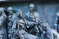 Skulpturala gruppstatsmän på monumentmilleniet av Ryssland, Veliky Novgorod, Ryssland Arkivbild